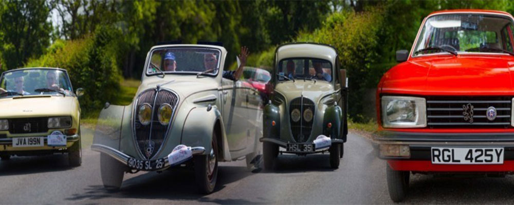 We organise a varied programme of events throughout the classic car season
